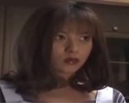 【つかもと友希 無修正動画】「俺のチ○ポしゃぶれよ」浴室でオナニーに耽るお母さんの元に乱入して強引に母子相姦する息子
