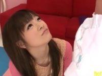 【雪本芽衣】可愛い女の子が保母さんコスプレでオムツした大人の園児を気持ちよく癒してくれるエロ動画