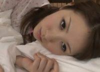 【宮瀬リコ無修正動画】美人AV女優の宮瀬リコさんの無修正動画、夢か現実か寝ている所を二人の松茸に責められ中出し交尾