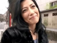 【七海ひさ代】25歳と聞いて目の奥が妖艶に輝きだす43歳のバツイチ美熟女塾講師の肉欲のハメ撮りSEX動画