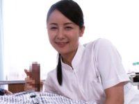 【手コキクリニック】お目覚めと共に美熟女看護婦の岩佐あゆみナースが笑顔と淫語で騎乗位交尾して患者の精液採取