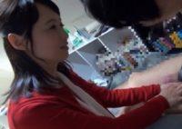 【安野由美】奇跡の五十歳の美熟女人妻の安野由美さんが仕事休んで息子よりも若い童貞の男の子と母性溢れる筆おろし交尾