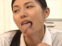 【武藤あやか ナース】怪我で入院中の若者の激しく反り立ったオ〇ンチンに驚きながら介護する熟女看護婦がお願いされうっとり顔で濃厚フェラチオ