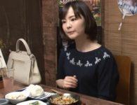 【人妻不倫ドキュメント】一人で飲んでいる奥さんに相席を頼み仲良くなって言葉巧みに誘い出して中出し不倫交尾するのぞきドキュメンタリー