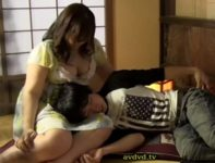 【夜王族】爆乳おっぱいの熟女にママのように膝枕されて甘える男が辛抱堪らず迫って肉欲交尾