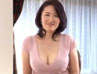 【加藤英子 人妻動画】夫が単身赴任で一年以上性生活が無く性欲をため込む巨乳人妻がAVカメラの前で肉欲剥き出しで不倫交尾