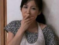 【大河内奈美 義母相姦】義母のオナニー姿を見てしまった息子が妻の妊娠中の性欲処理に義母を押し倒して強引に母子相姦交尾