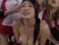 【コミック原作】若く性欲盛りのバレーのコーチが飲んだ相手が虜になるという催淫剤を手に入れ爆乳人妻と肉欲に塗れ中出し不倫交尾