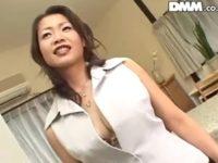 美熟女で巨乳おっぱいの人気AV女優の友田真希さんのハメ撮りエロ動画