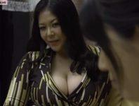 家政婦として働く桜木かおりがレズビアンの奥様の八木あずさに調教されレズ交尾に溺れていくエロ動画