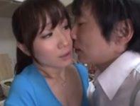 性的不満を持て余す美人義母のオナニー姿を盗撮して脅し母子相姦交尾する息子
