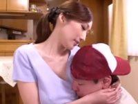 【JULIA】性的不満を持つ若妻のJULIAがノーブラおっぱいで男を誘惑して肉欲不倫交尾