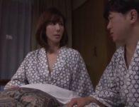 【澤村レイコ】憧れていた美しい上司と温泉旅館に泊まることになった部下が思い切って愛の告白をし受け入れられ肉欲SEX