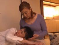 【青井マリ】母のオナニー姿を見た息子が禁断の欲望を抱いて甘え自分が生まれてきた秘部に肉棒を押し込み中出し母子相姦