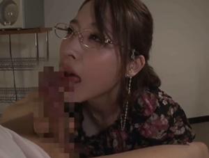 【本田岬】息子をいじめる悪ガキ生徒会を指弾したP●A会長の美人ママが息子のオ●ンチンをお口で慰めていることを知られ性処理交尾