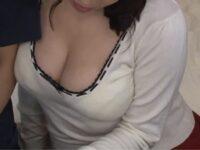 【三島奈津子】爆乳おっぱいの谷間に興奮してオ●ンチン勃起させた童貞息子に優しく性教育して母子相姦する爆乳義母ママ