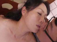 【中本美香】「女として母さんの事が好きなんだ」温泉旅行で息子に告白された熟母が息子の想いに抗えず母子相姦SEX