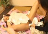 【前原司】布おしめにオシッコをお漏らしさせて母乳を吸わせる爆乳ママが赤ちゃんの汚れたお口を舌で綺麗に舐めベロチュウ接吻