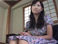 【井坂綾】可愛い母乳ママがキモい髭男と接吻して女子校生風の制服姿でオ●ンチンに授乳してパイズリ射精