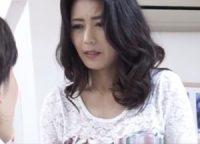 【三浦恵理子】家庭訪問に来た息子の担任に告白された美人お母さんが忘れていた感情を甦らせ先生をキスで誘い禁断の不倫SEX