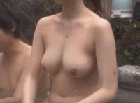 【姉弟近親相姦】混浴温泉に入った弟が無防備におっぱい見せるお姉ちゃんの巨乳にオ●ンチン勃起させ気づいた姉と近親相姦SEX