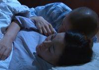 【母子相姦 城エレン】半身不随の母親を献身的に介護する息子が母の肉体に熱く股間を膨らませ寝ている母に寄り添い母子相姦SEX