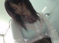彼氏に中出しされ服のまま浴室でオ●ンコを洗う爆乳娘が助けを求めた父親に精液を掻き出されて興奮し父親に迫り中出し近親相姦