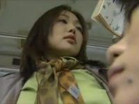 【ヘンリー塚本 レズ】通勤バス車内で好みの女のスカートの奥に手を差し入れ逝き果てさせた女がホテルで肉欲に塗れてレズ交尾